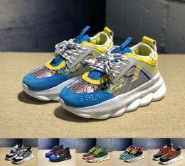 2019 Chain Versace Reaction Moda Uomo Donna Scarpe da corsa Nero Bianco Arcobaleno Sport Designer Sneakers Scarpe da ginnastica piatte in pelle scarpe casual 36-45 da argento reale menta fornitori