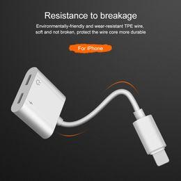 Canada 1 pcs 2in1 Adaptateur 3.5mm Aux Jack Casque Écouteurs Audio Splitter Câble Blanc Charge Musique Pour iphone 8 XS Max XR Offre
