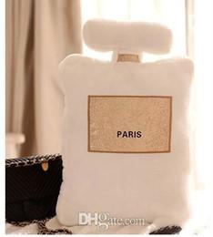 Almohadas decoradas online-¡Nuevo! Patrón clásico Cojín 50x30 cm Forma de la botella de perfume Cojín Negro Blanco Diseño de moda de lujo Logo Almohada Almohadas Decorar