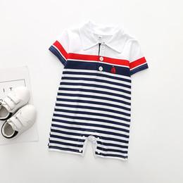 tiras de tela Rebajas Ins Baby Boy Designer Clothes Romper Boy Stripped Design Manga corta Turn Down Romper baby Climbing 100% algodón ropa de verano