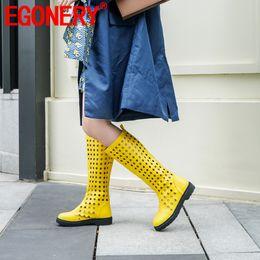 Botas moradas mujer rodilla alta plana online-EGONERY Zapatos planos de mujer Zapatos de verano Transpirable Botas hasta la rodilla Hueco amarillo púrpura moda botas de moto Martin