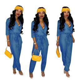 Blue rompers jean online-2019 Blue Soft Denim Tute Pagliaccetti Vendita calda 3/4 Maniche con scollo a V Jeans larghi Abiti donna Casual Full Length Pantaloni Tessuto di alta qualità