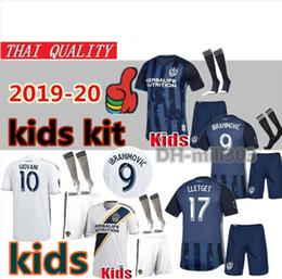 2019 mls jerseys 19 20 kit MLS LA Galaxy pour enfants de maillots de football uniformes 2019 2020 Galaxy de Los Angeles IBRAHIMOVIC GIOVANI KAMARA football pour enfants promotion mls jerseys