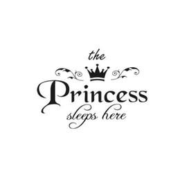 2019 livre miúdos desenhos animados wallpapers arte Removível Adesivo de Parede A Princesa Dorme Aqui Coroa Decalque Sala Quarto Vinil Escultura Adesivo de Parede Decalque Atacado # 555