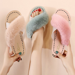 fashion wear flats Coupons - Autumn And Winter New Korean Version Warm Versatile Fairy Style Cross Single Designer Flat Slippers Women Wear Fashion Fur Slipper