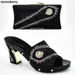 mulher sacos sapatos italia Desconto Sapatos e Bolsas Para Combinar Com As Mulheres Sapatos De Vestido Quadrado Toe Mulheres E Sacos Para Coincidir Com Set Itália Mulher Africano Bag Party