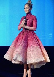 Zuhair murad vestidos de rodilla online-Vestido de noche Yousef aijasmi Kim kardashian 2018 Ball down Sequines Manga larga Longitud de rodilla Rojo Cuello alto Zuhair murad 101
