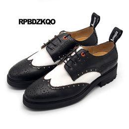 Ботинки для крыльев ручной работы онлайн-Wingtip New Brogue  Black And White Pointed Toe Men Oxfords Shoes Handmade Genuine Leather Casual Spring Creepers Platform