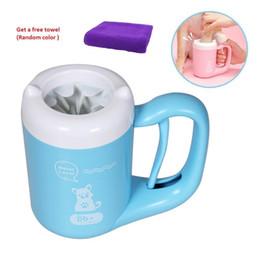 Escova de petinho macio on-line-Cão gato Cleaner Cup Soft Paw Pé Escova Pés Sujos De Lavar Pet Suprimentos de Limpeza SH190628