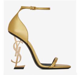 2019 laranja casamento sapatos nupcial Top Venda de Salto Alto Sandálias Das Mulheres Sapatos de Metal Carta Summder Sapatos De Casamento De Couro de Negócios de Verão de Casamento Prom Party Shoes