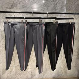 pantaloni bassi capris Sconti Tb thom di alta qualità in misto lana-cotone con banda elastica verticale RWB LOW-RISE CHINO Capris pantalone in pelle da uomo con cappuccio