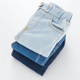 Muchachos pantalones negros flacos online-2018 pantalones vaqueros del otoño de las muchachas de los muchachos del algodón pantalones flacos de los niños del niño negro azul lavado pantalones para 1-6 años de moda ropa de los niños
