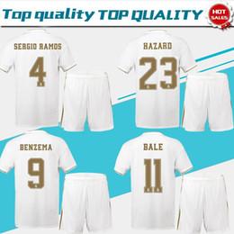 pantalons de costume hommes Promotion 2019 Real Madrid blanc à la maison # 23 RISQUE # 9 BENZEMA de football maillots 19/20 costume de football pour hommes à manches courtes personnalisé Football uniformes + pantalons