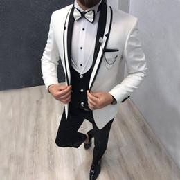trajes de lana pico desgaste tuxedos Rebajas Custom 3 piezas blanco chaqueta de solapa chal trajes para hombre trajes de novio de la boda boda esmoquin traje para hombre