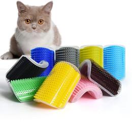 Guarnições de borracha on-line-Pet Dog Cat Auto Pente Groomer Rubber Wall Corner Massagem Higiene Escova de Limpeza Dispositivo de Aparagem de Corte de Cabelo com catnip AAA2201
