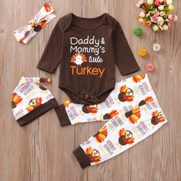 Buena calidad Infantil Ropa de Bebé Set 4 Unids Carta Pavo Mameluco pantalones Diadema Día de Acción de Gracias Trajes Set niños ropa roupas desde fabricantes
