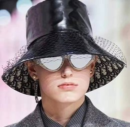 chapéus de praia de palha de aba larga Desconto Chapéus de palha de luxo com chapéus de aba larga respirável por designers de novos chapéus de praia de verão são combinados com branco e preto de alta qualidade br