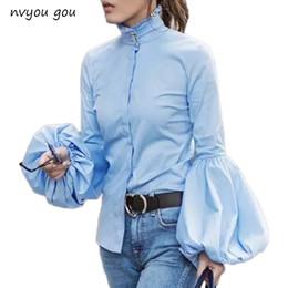Frauen blaue blusen online-Lange, breite Laterne Ärmel blaue Bluse Frauen Button-Down-Blusen Shirts weiblich 2018 Herbst Winter Fashion Tops Rollkragen