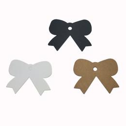 Prendas cuelga etiquetas online-500 unids mariposa en blanco DIY hecho a mano paquete etiquetas colgantes etiquetas de precio de regalo en el paquete nueva ropa etiquetas colgantes cartón blanco