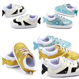 c589826aa обувь для рыбалки Скидка Новорожденных мальчиков девочек мокасины обувь  младенческой Русалка рыбья чешуя первые ходунки мягкое