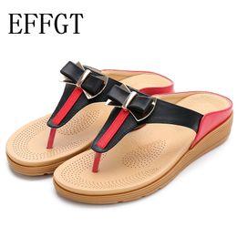 c217cd88c EFFGT Zapatos de playa de las mujeres calientes de verano Bohemia Taladro  de agua Zapatos de suela plana Arco Sandalias Flip Flop Dulce Casual  Zapatillas ...