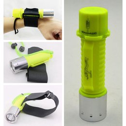 2019 antorcha de buceo led t6 Submarino 25 m Linterna de buceo T6 LED Antorcha de luz recargable Lámpara impermeable Camping Caza Camping Ciclismo Luz ZZA788 antorcha de buceo led t6 baratos