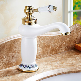 2019 bassin blanc en céramique 2019 porcelaine blanche laiton robinet de lavabo de lavabo de salle de bains robinet en céramique robinet mélangeur évier pont monté poignée unique trou unique bassin blanc en céramique pas cher