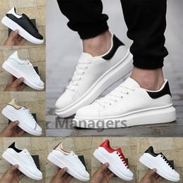 Cauda de sapato on-line-Top Quality 3 M Reflexivo Moda de Luxo mens designer sapatos das mulheres Triplo Preto Branco Iridescente Cauda de couro Sapatos de Plataforma Casuais Sapatilha