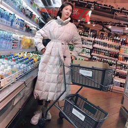 Tays Net Red Coat Daunenjacke Frauen lange Kniehohe weiße Ente Daunenjacke Frauen koreanische Waistband dünne verdickte