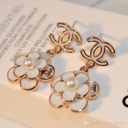 Perle femminili online-Top di lusso di qualità Pearl Spille orecchini per le donne della lettera di modo Spille orecchini fabbrica gioielli di vendita diretta