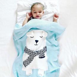 tapis de jeu mous Promotion Couverture de bébé blanc ours animaux modèle couverture douce chaude laine Swaddle enfants serviette de bain tapis de jeu infantile poussette couvertures 80x100 cm
