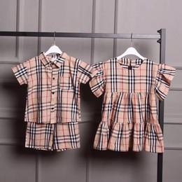 Brüder jungen kleidung online-Burberry Bruder und Schwester Outfit KINDER KLEIDUNG JUNGEN MÄDCHEN SET ANZUG KINDER KLEIDUNG Luxus Kleidung Kinder Designer Anzüge BBR Kleid Kariertes Hemd
