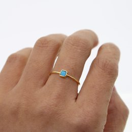 2019 blaue stein silberne schmucksachen Türkis Stein Ring minimal Schmuck moderne hochwertige 925 Sterling Silber dünnen blauen Stein Verlobungsring für Frauen günstig blaue stein silberne schmucksachen