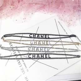 2019 marques de collier Collier de marque de mode pour dames femmes délicates tour de cou avec logo collier de style INS avec cristal pour la fête promotion marques de collier