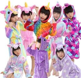 Çocuklar Pijama Çocuklar Flanel Unicorn Bornoz Pijama Moda Hayvan Kapşonlu Robe Çocuk Pijama Çocuk Giyim Kız Ev giyim CLS321 nereden