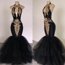2019 сексуальный черный V шеи тюль Русалка длинные платья выпускного вечера замочную скважину с золотым кружевом аппликация бисером длиной до пола вечерние платья BC0752 от