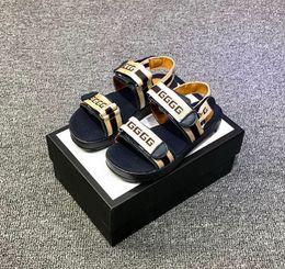 sandalias baby boy nuevas Rebajas Nuevo diseñador de los niños sandalias de moda niños niñas diapositivas de alta calidad zapatos de bebé a rayas niño con caja tamaño 26-35