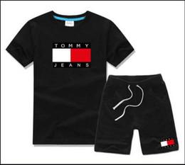Tute sportive casual online-T-shirt e pantaloncini di marca per bebè e ragazzi Tute di marca per bambini 2 Abbigliamento per bambini Set T-shirt per bambini T52136