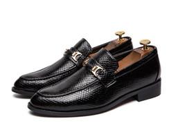 d9daabf139 Zapatos de vestir de diseñador para hombre Primavera otoño para hombre  Zapatos sociales Negro Marrón Boda para hombre Calzado de goma inferior  Traje Calzado ...