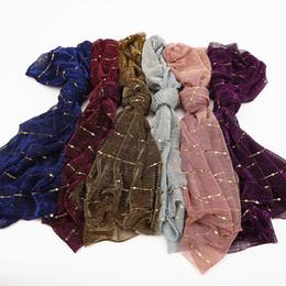 55643a2dfef Bufanda musulmán con lentejuelas Hijab Pañuelo de esquí de fondo Musulmán  Mantón de otoño Bufandas Brillantes Bling Line Nueva moda Bufanda larga