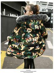 Los niños camuflan el abrigo de invierno online-Pydownlake 2019 nuevos niños y niñas de invierno chaqueta abajo tendencia de los niños espesar abrigo de algodón niños chaqueta de camuflaje estampado de mariposa