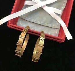 Pendiente de circonio cúbico 925 online-Marca 925 Agujas de plata Ear Ears Love Heart Pendientes 14 k oro cobre Cubic zirconia Quanlity alto para las mujeres envío de la gota