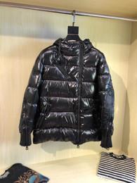 Hombres y mujeres abajo chaqueta con capucha suelta chaqueta abajo frío invierno cálido ropa exterior gruesa manga de cremallera cooperación invierno chaqueta Moncle14 desde fabricantes