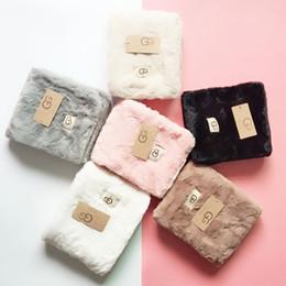 2019 garniture de fourrure naturelle pour manteau d'hiver Designer foulard en peluche écharpe chaude femmes lettre châle foulard mode cadeau de noël en gros 95x20cm hiver designer foulards
