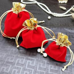 Canada Velvet Beaded Drawstring Pochettes Sac d'ornement noir et rouge Emballage de bijoux Emballage de cadeaux Offre