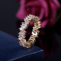 2019 búho bolsas de regalo de navidad Anillo de bodas nueva manera del Zircon CZ irregular blanca Cubic circón anillos de dedo Fit # 6 a # 10 para la joyería de las mujeres del regalo del partido