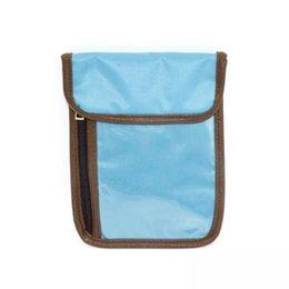 Владельцы паспортов rfid онлайн-RFID полупрозрачный Touched ПВХ телефон сумка 6COLORS Custom Travel Passport Holder RFID Блокировка шеи Шкатулка под прикрытием шеи кошелек и сумка на шею