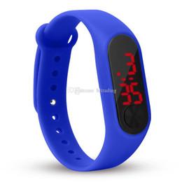 Canada Mode enfants garçons filles étudiants sport digital led montres Bonbons couleurs adolescent écran tactile montres électroniques 15 couleurs C5833 Offre