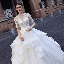 Canada 2018 Robes de mariée en organza blanches élégantes en robe de bal 1/2 manches Sheet Neck Robes de mariée personnalisées Lace Up Ruffles Robes de mariée cheap sheet dresses Offre