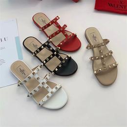 Zapatillas bohemias online-Nueva marca de diseño de sandalias para mujer Sandalias de moda Zapatillas de diamantes bohemias Mujer Pisos Chanclas Zapatos de verano Sandalias de playa Tamaño 35-40